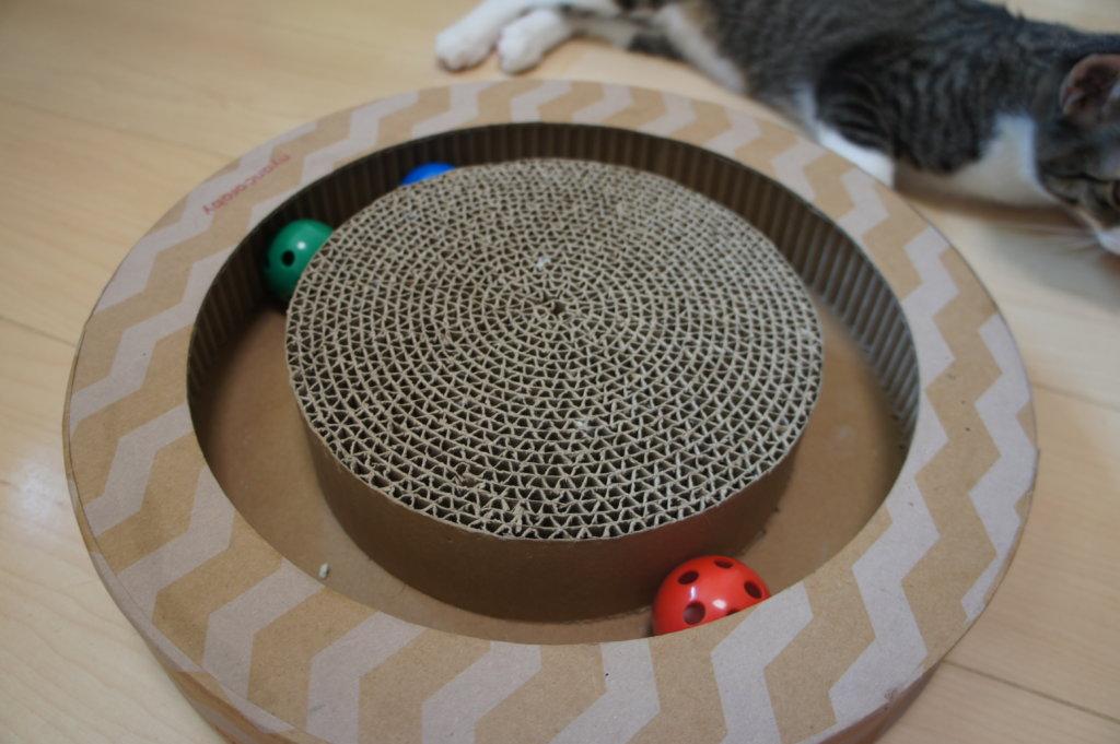 ニャンコロビー nyancoroby 猫 おもちゃ