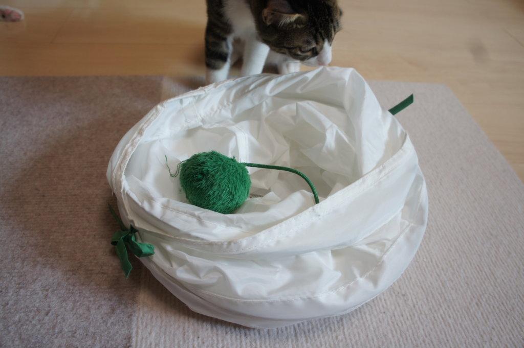 IKEA トンネル 猫用 おもちゃ