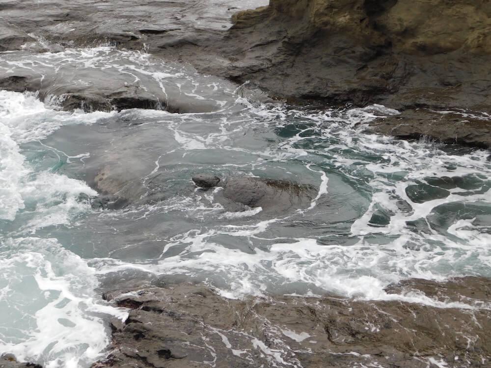 江の島 岩屋 亀岩