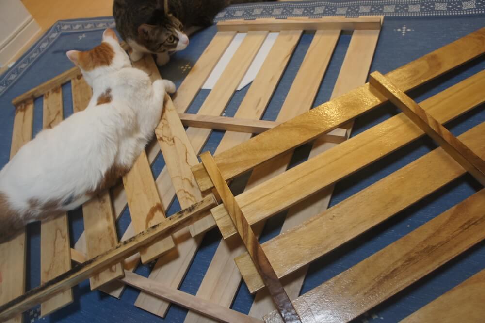 すのこ ニス塗り 防水 コーティング ハケ ウレタンニス DIY 猫DIY