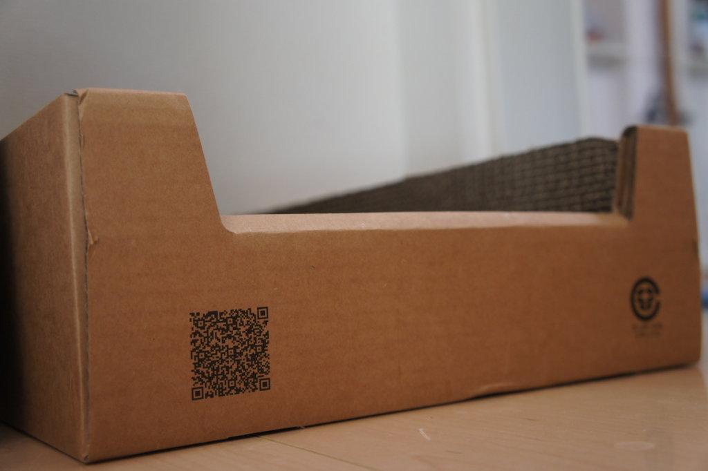 Amazon ダンボール ボックス つめみがき 爪とぎ キジ白 三毛猫 猫ブログ